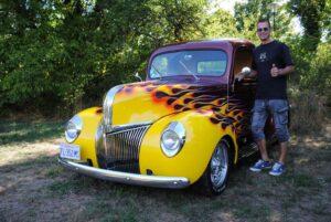 Jerome Gros avec son Ford 41 P.U. flammé